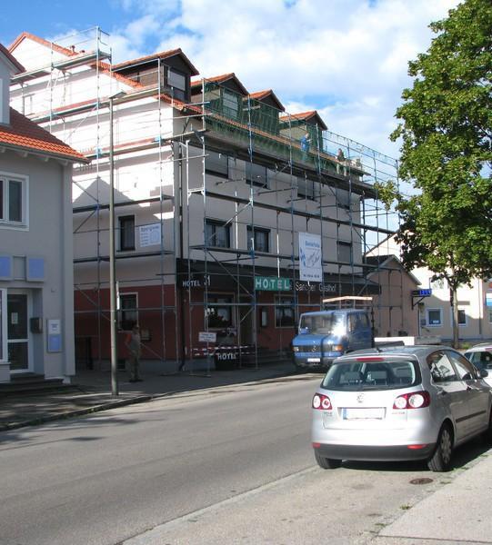 Fassadengerüst mit Schutznetz